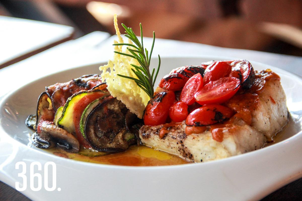 El restaurante cuenta con ingredientes internacionales y platillos de sabores intensos.