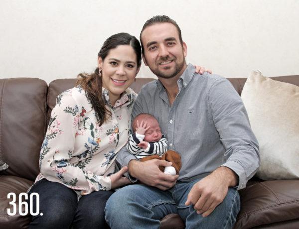 Leticia del Bosque, Jaime Garza y el pequeño Jaime Garza del Bosque.