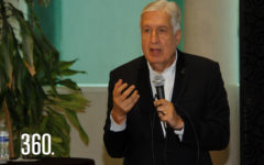 "David Noé Ramírez Padilla impartió la conferencia ""La Navidad Vivida a Plenitud""."
