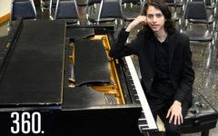 Eric encontró su pasión por la música desde los nueve años y su talento le llevó a dar recitales en Estados Unidos y Rusia.