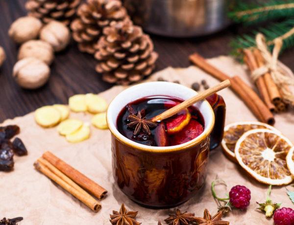 El ponche es la bebida que no puede faltar en ninguna posada o en la cena de Navidad.