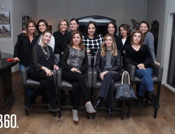 """Las integrantes del """"Grupo de Amigas"""", realizo su Trigésima Posada la noche del seis de diciembre en la residencia de la familia Berlanga Berchelmann."""