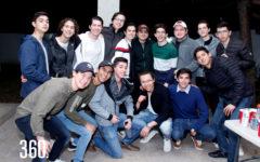El festejado Guicho Hurtado acompañado por sus amigos celebró su décimo octavo aniversario.
