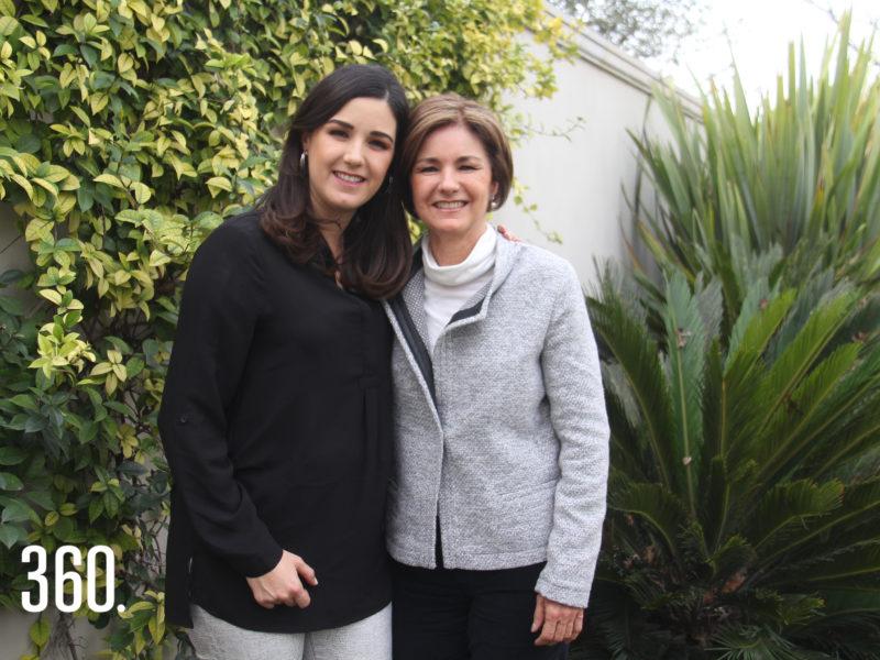 Yoyis Pérez de Aguirre celebró su cumpleaños en el desayuno que le organizo su mamá Yoyis Flores de Pérez.