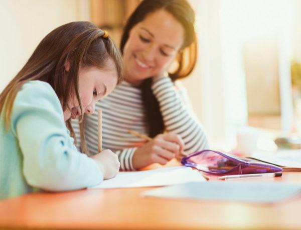 Este método de aprendizaje rechaza el sistema educativo tradicional y propone una enseñanza personalizada en el hogar.