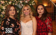 Arely con su suegra y madre, María Elena Montesino y Otila Sánchez.