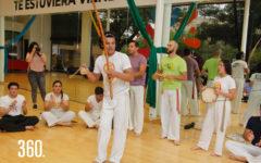 Los asistentes también aprendieron ritmos y canticos en portugués que se utilizan en la Capoeira.