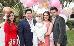 La bautizada con sus padres y padrinos, Viviana Daniel, Francisco Zarazúa, Carolina Estrada y Carlos Javier Estrada.