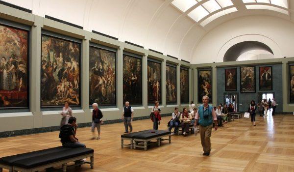 Ahora que debes quedarte en casa, es el mejor momento para entretenerte visitando los museos y galerías más famosos del mundo.