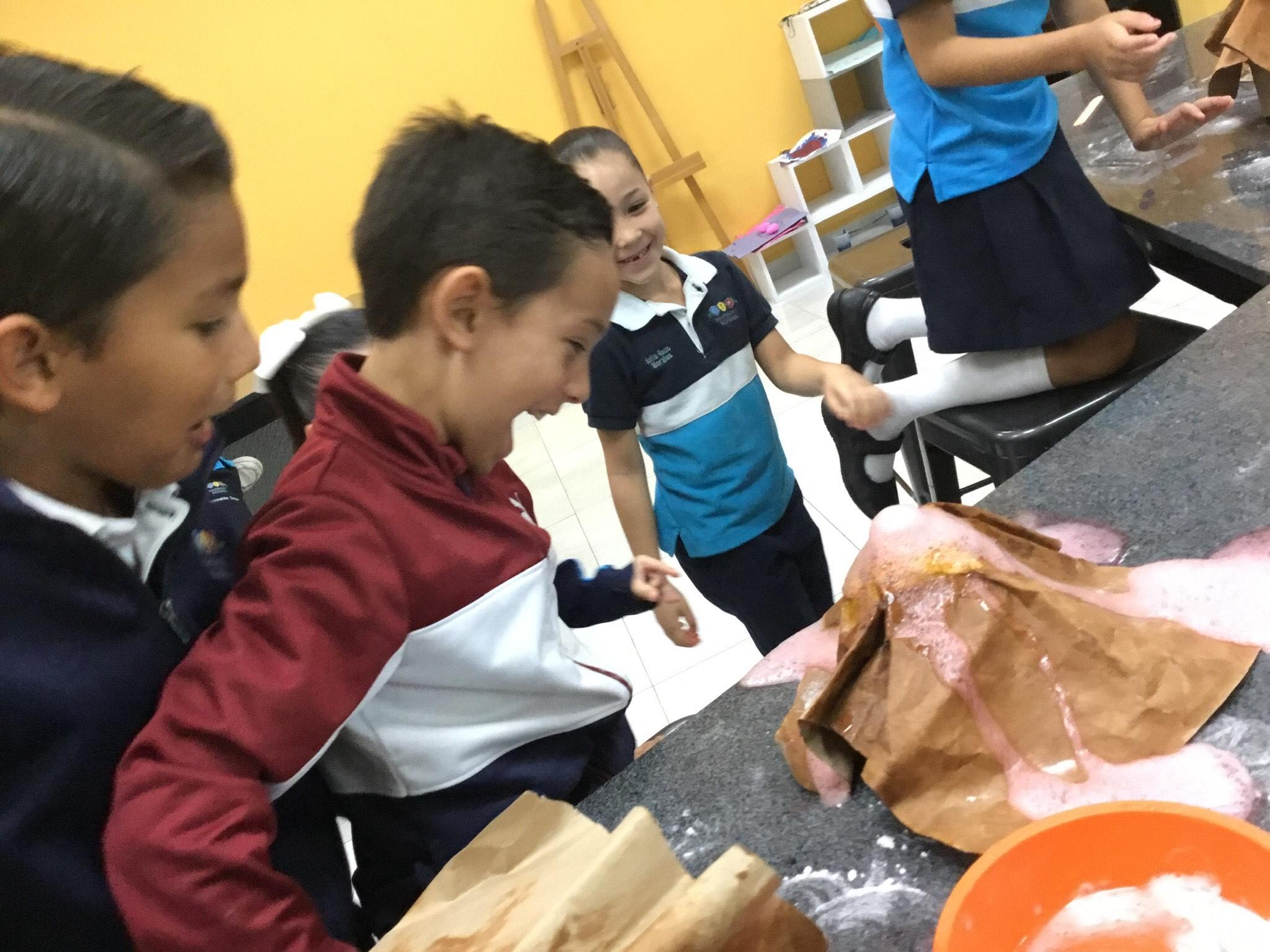 Especial día del maestro: María Esther Rodríguez Núñez. Harmony School, maestra titular de primero de primaria, en septiembre cumple 25 años de docencia.