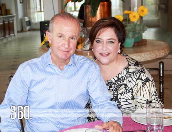 Gerardo Garza Melo y Diana Castilla