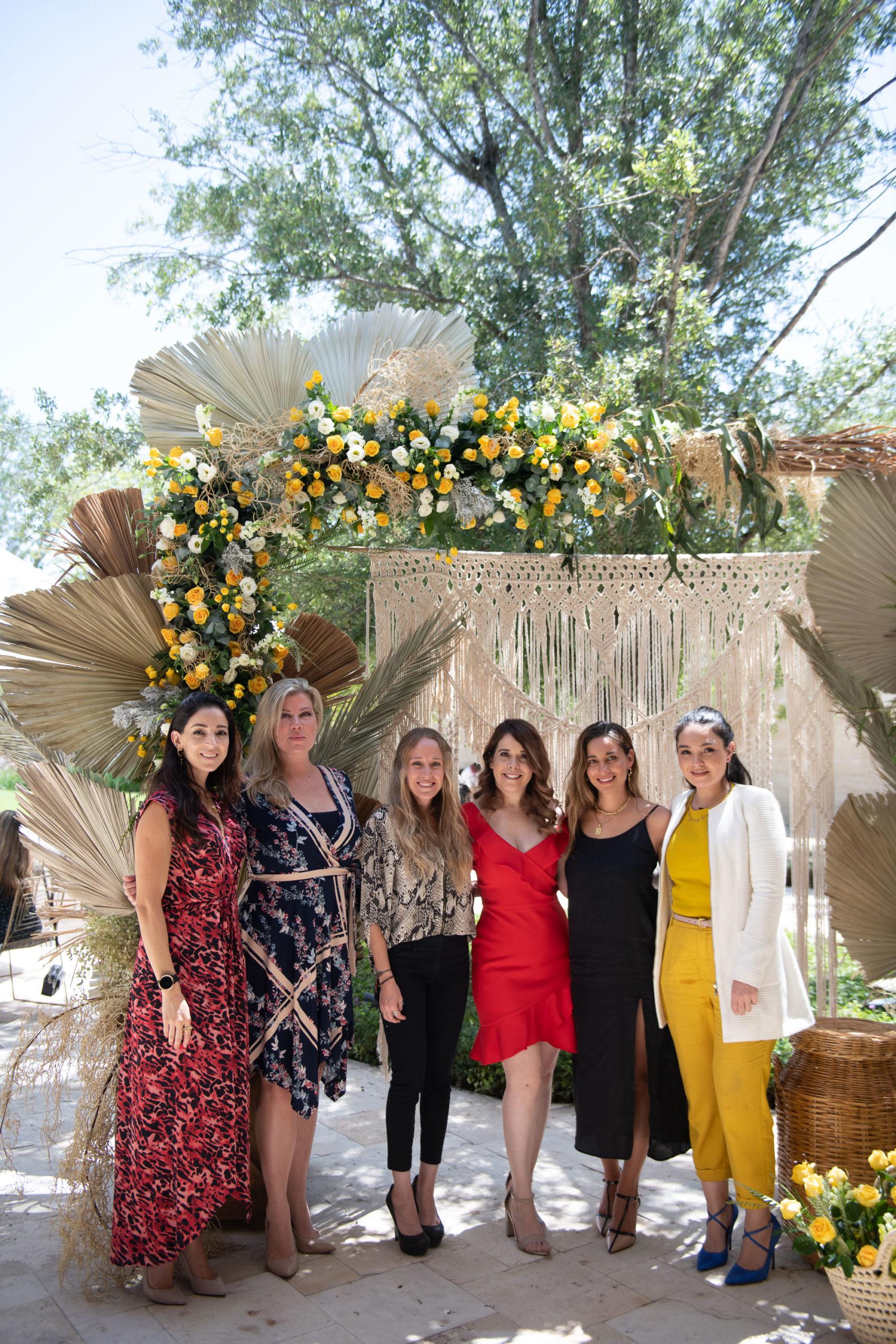 Daniela González, Elyn Gustafson, Samantha Rivera, Romy Obando, Gisela Rivera y Anabel Suárez.