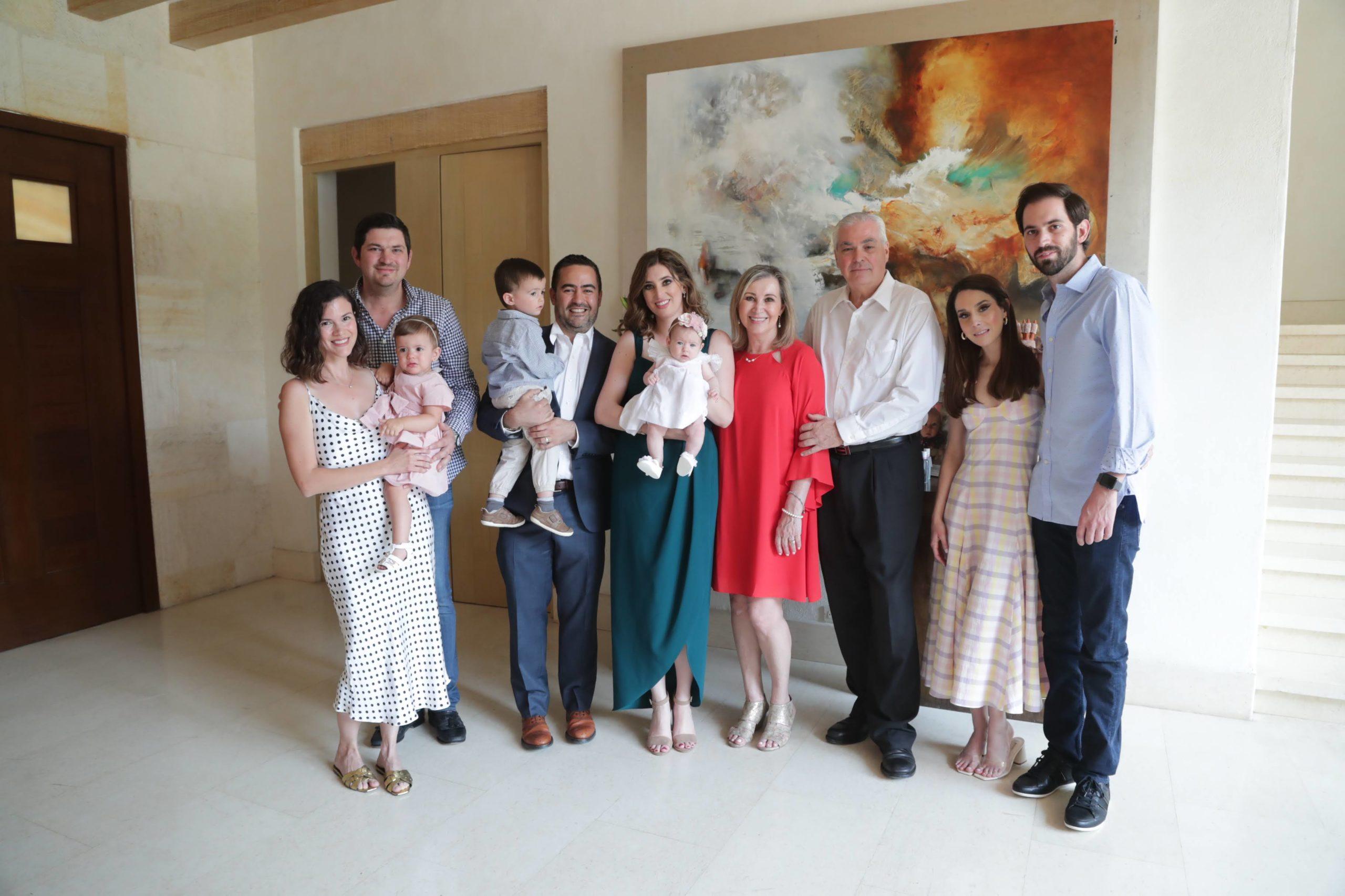 Mauricio, Mariana y Regina Santoscoy, familia Arizpe Santoscoy, Irma De la Garza, Ernesto Santoscoy, Lucía Garza y David Santoscoy.