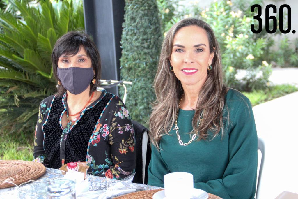Liliana Salinas y Melissa Moeller.