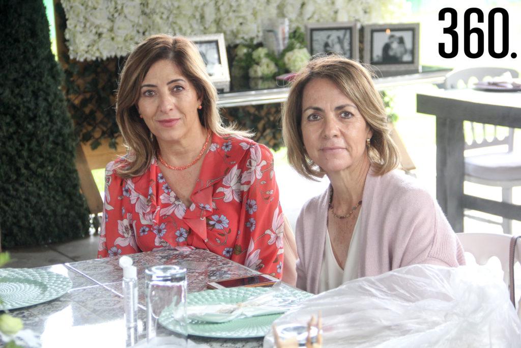 Maruca Villarreal y Liliana Villarreal.