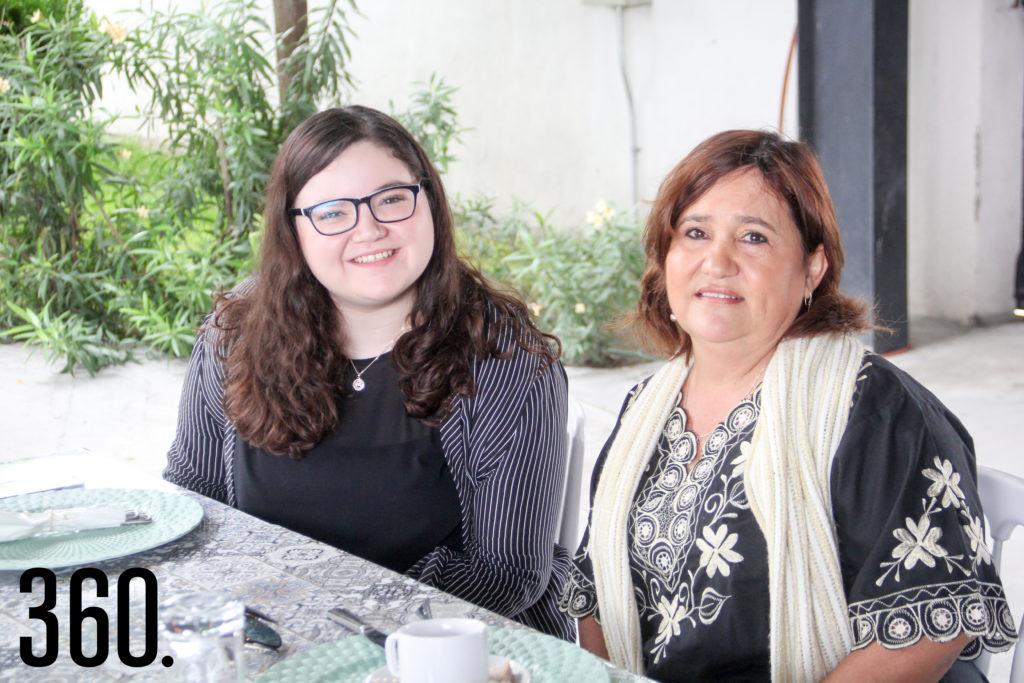 Alejandra Arredondo y Mariana Treviño.