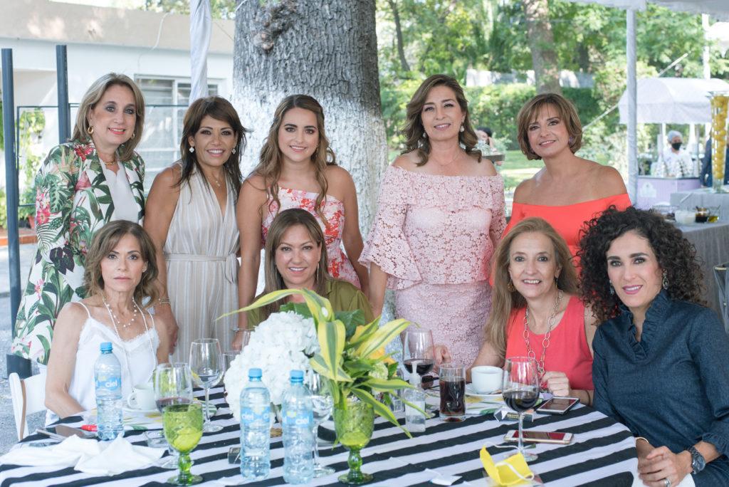 Georgina, Patricia Villarreal, Patricia Castro, Malena, Linda Berchelmann, Hilda Terán, Gabriela Lacalle, Malena González y Gaby Zertuche.