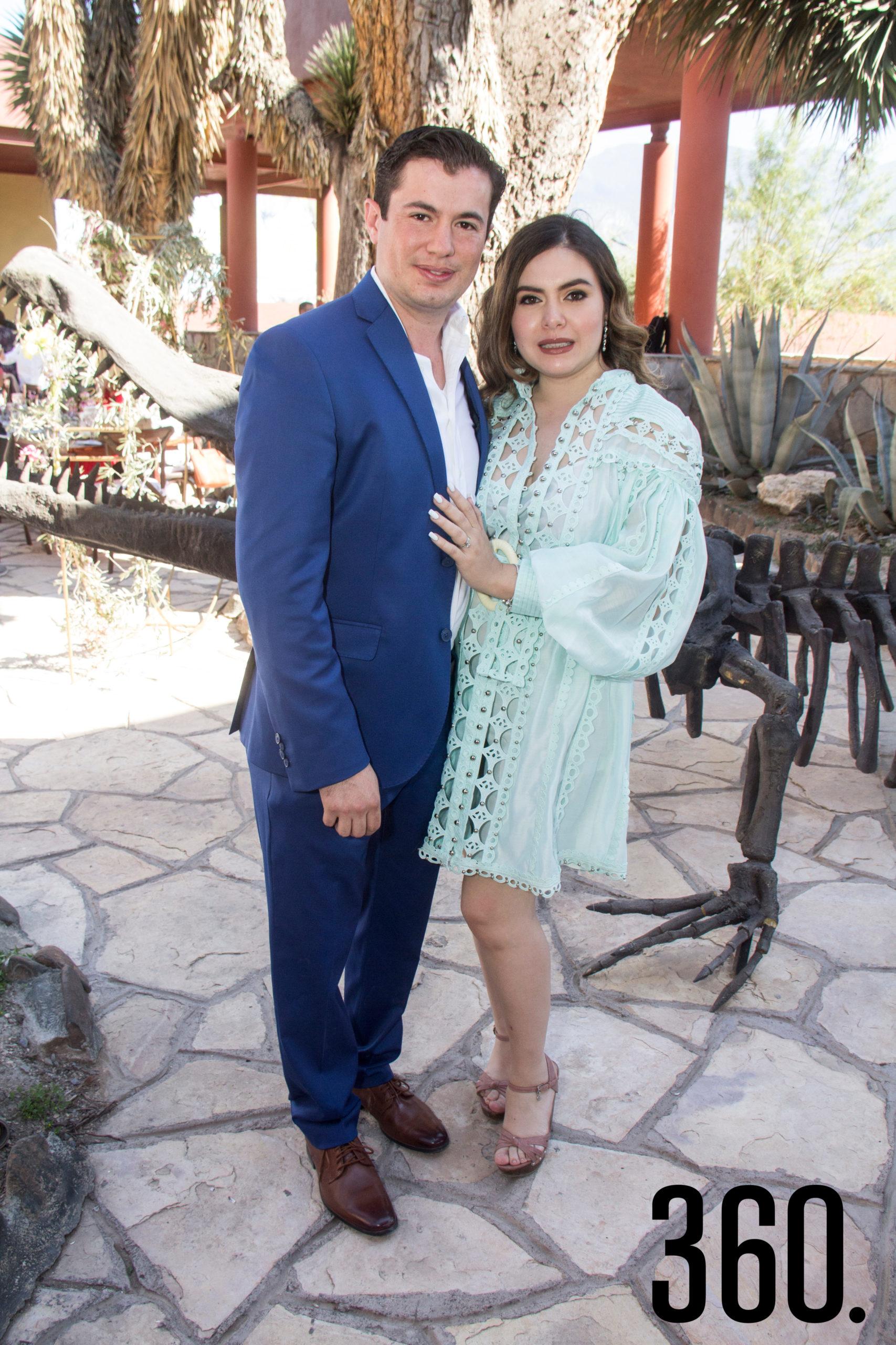 Daniel Cavazos Garza y Nancy Ramos Castillo.