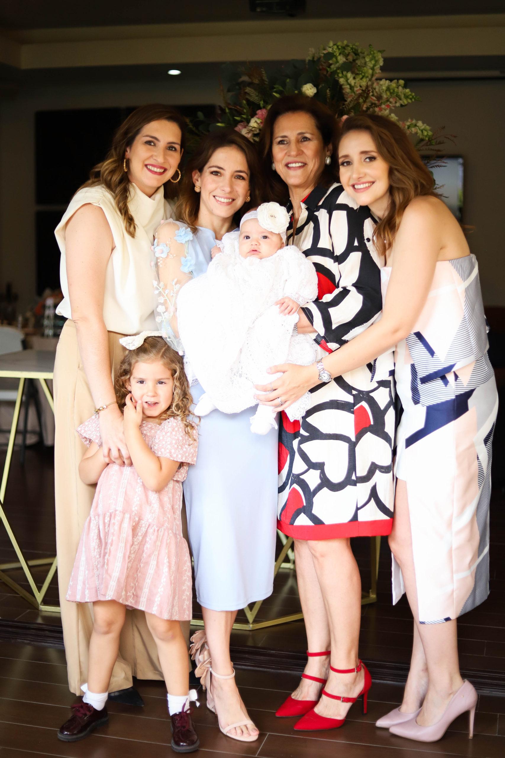 Patty Elizondo, Vero Elizondo, Cordelia Campo, Loretta López, Patty Rodríguez y Lorena Elizondo.
