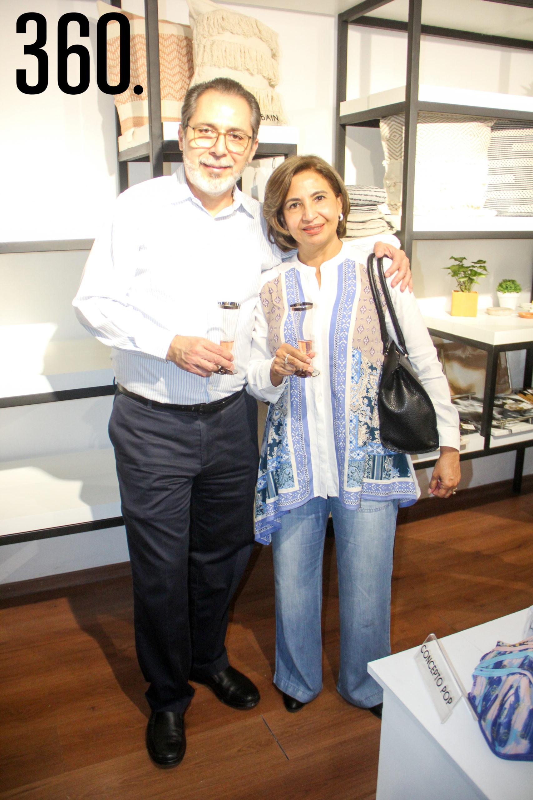 Roberto y Martha Treviño.