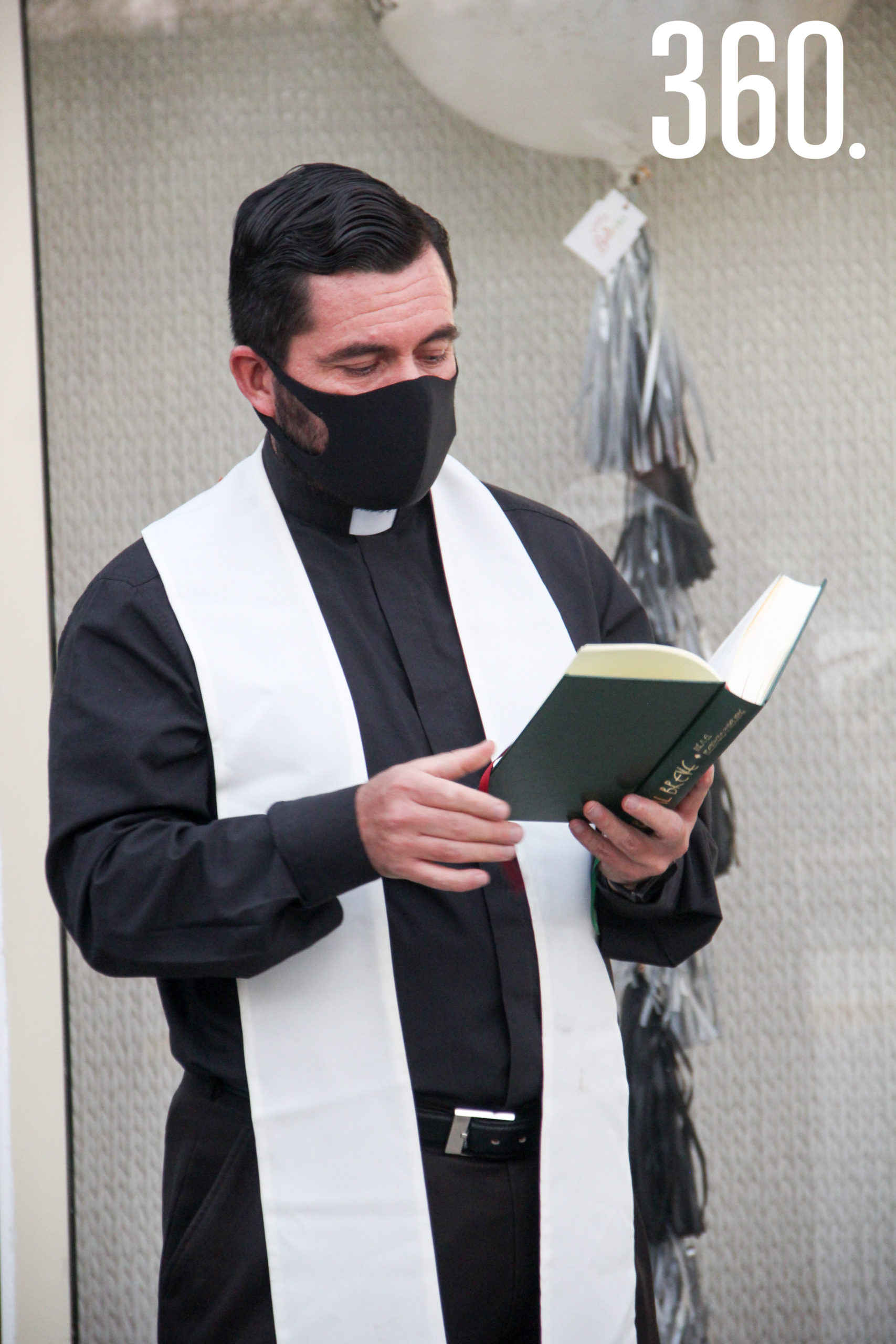 Padre Héctor Esquitín.
