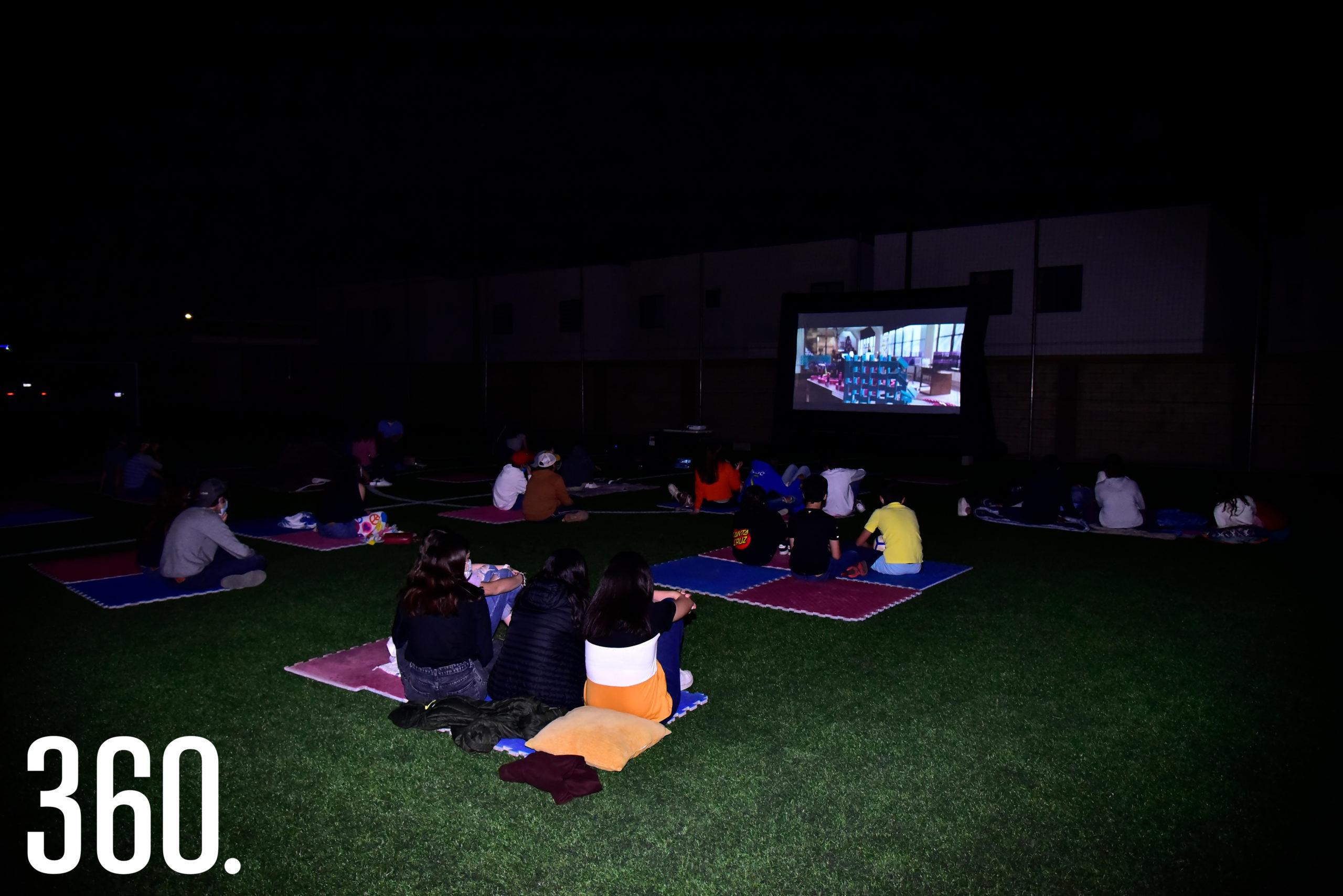 Los asistentes se la pasaron increíble en la noche de película.