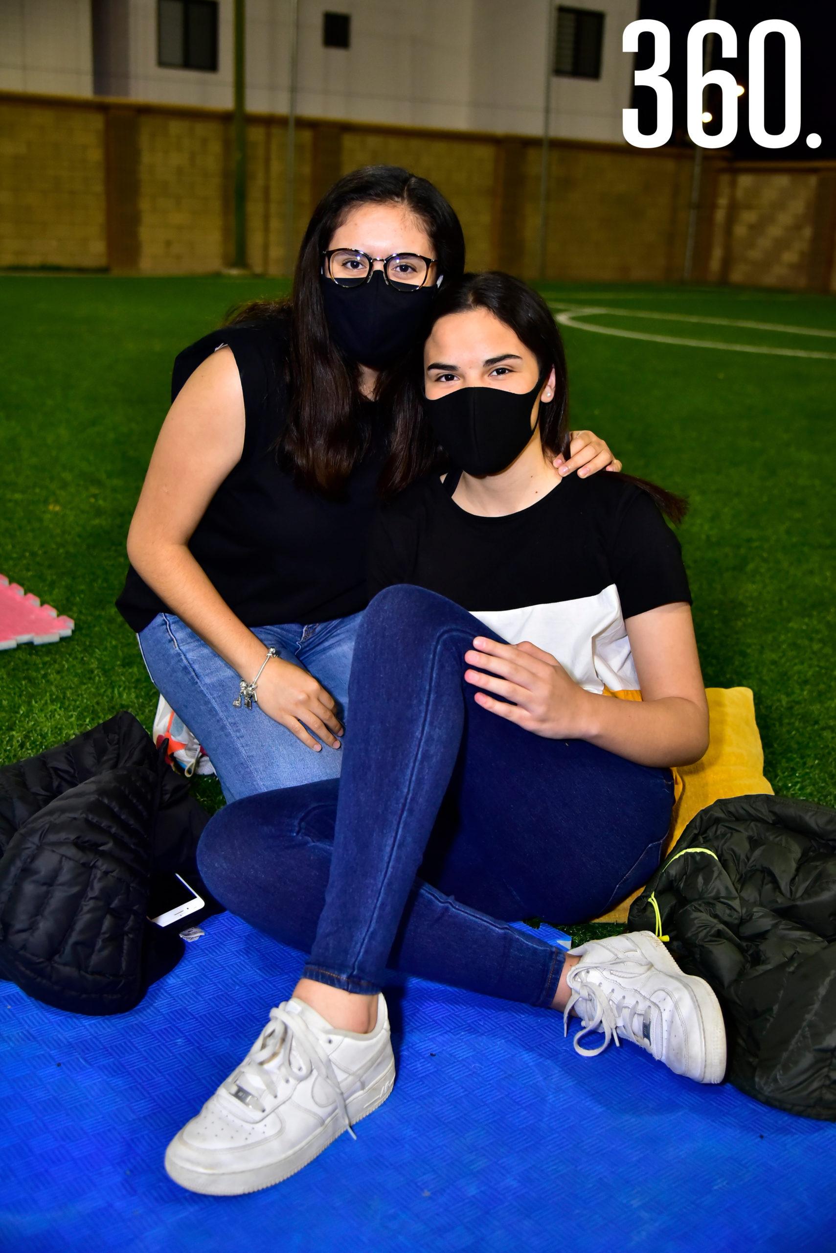 Amira Rodríguez y Andrea Garza.