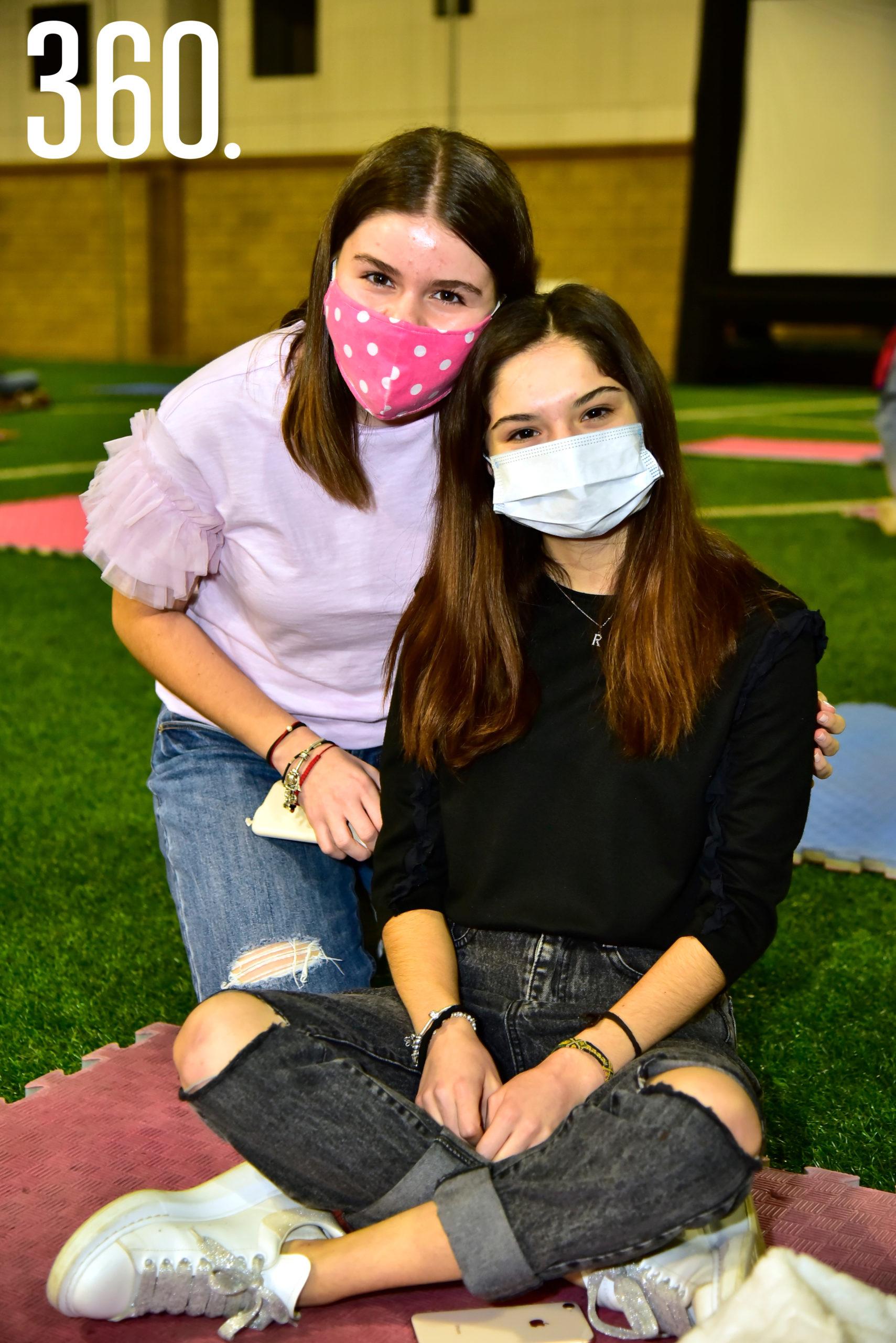 Alexa Mohamar y Regina Dávila.