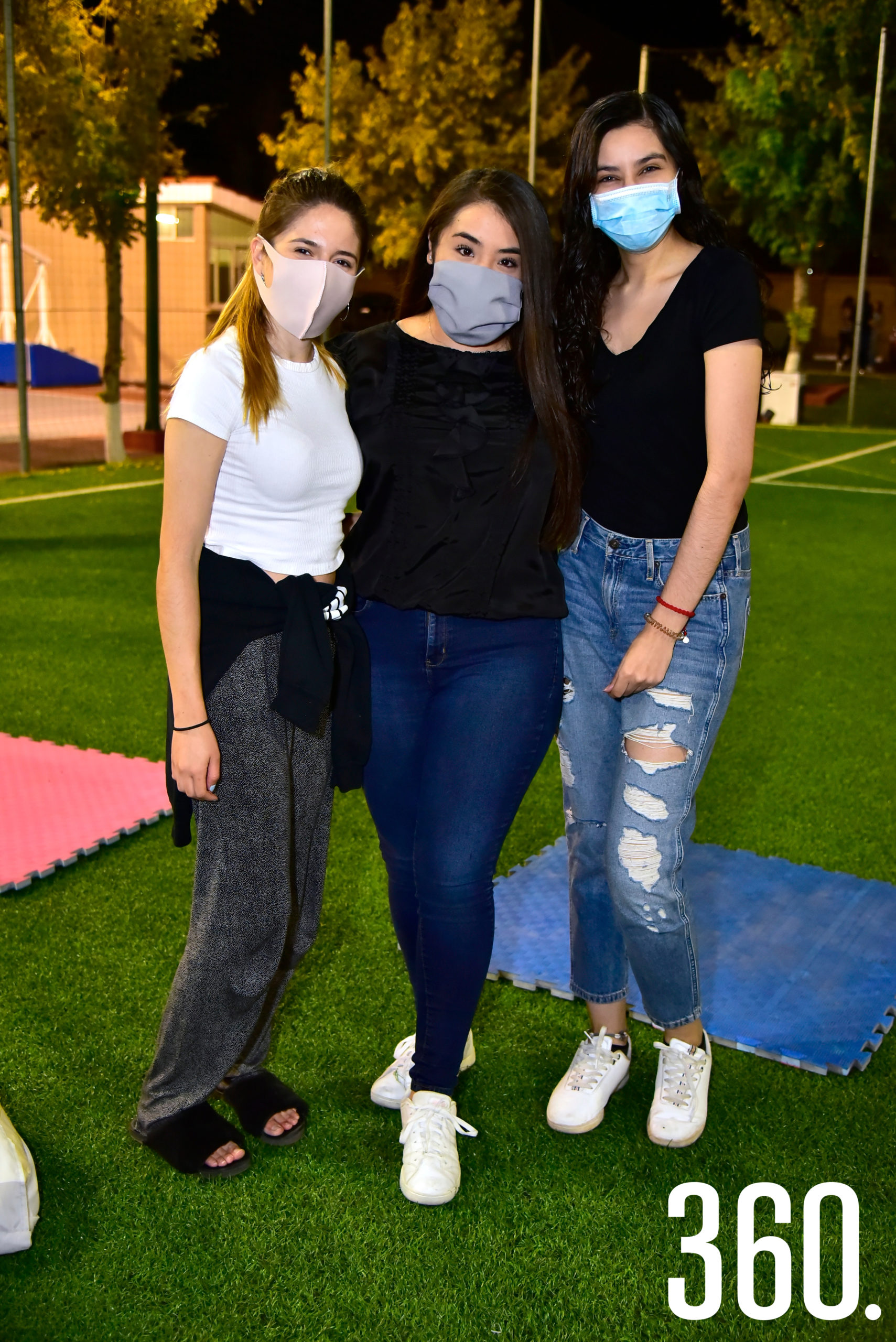 Mónica Mireles, Ana Rivera y Marjorie Almirudis.