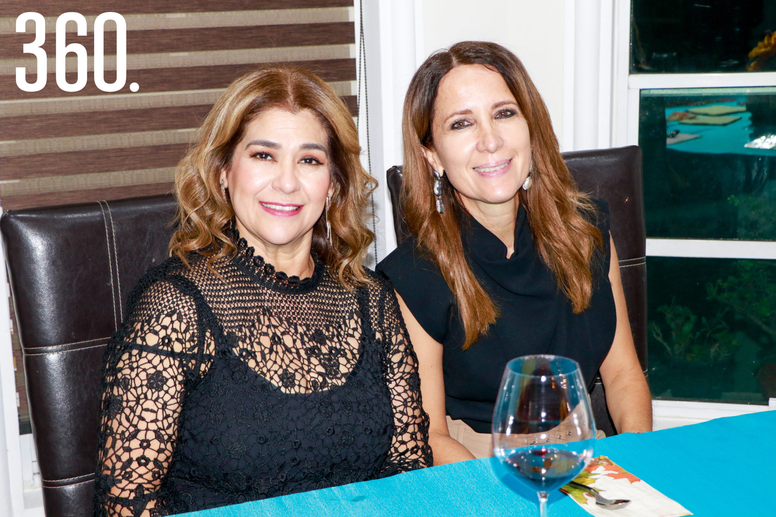 Betise Valdés y Olinda Elizondo.