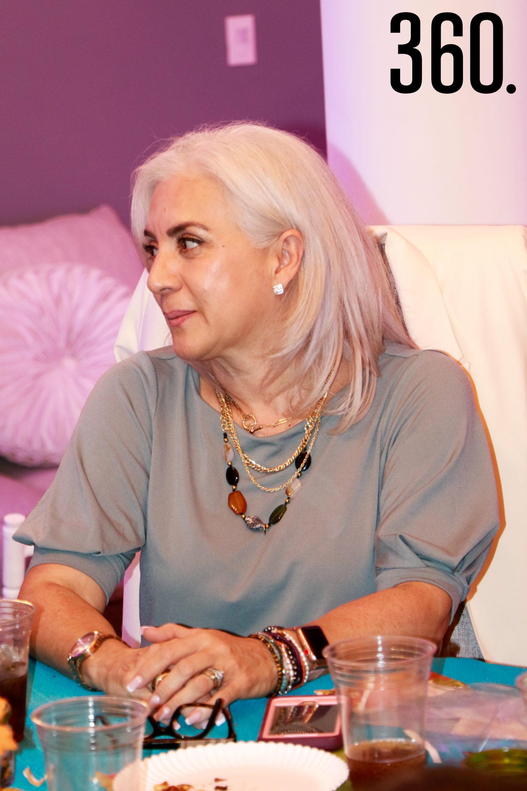Patricia Flores de Ylizaliturri.