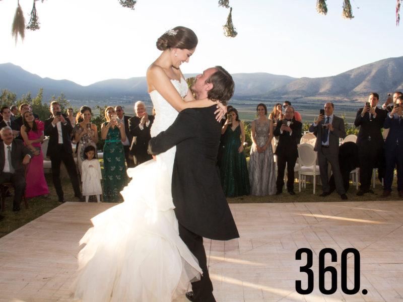 Jorge Castro Torres y Valeria Navarro Meraz unieron sus vidas en matrimonio.