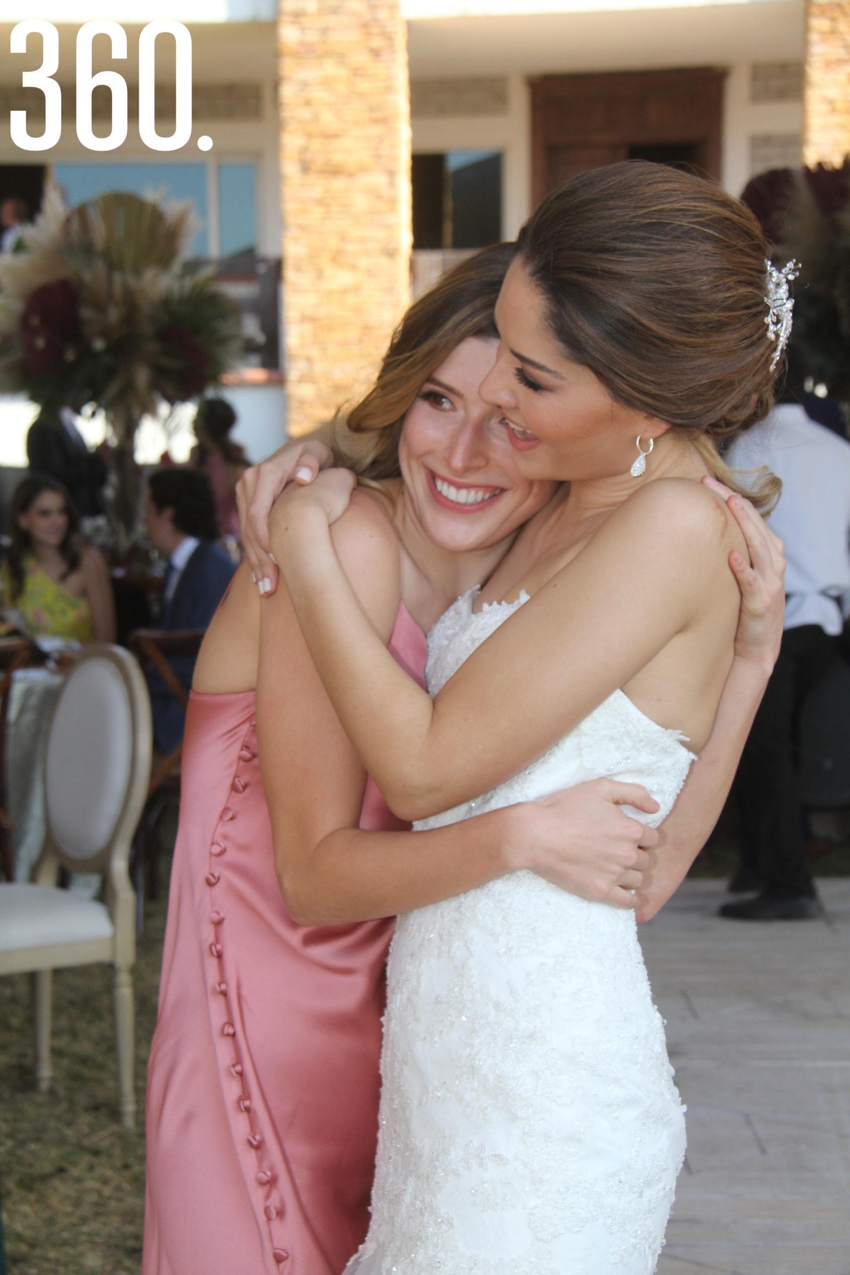 Carolina Guajardo De Valle felicitó a su amiga Valeria en su boda.