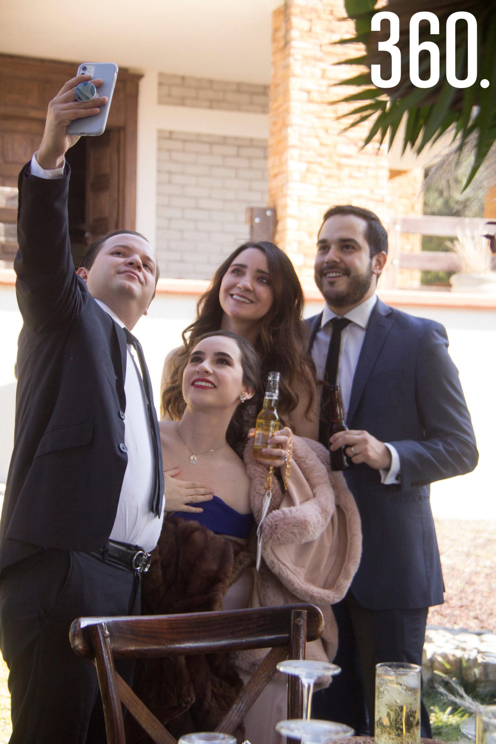 Luis Castro, Ana Patricia Ibarra, Ana Belén Castro y Eduardo López.
