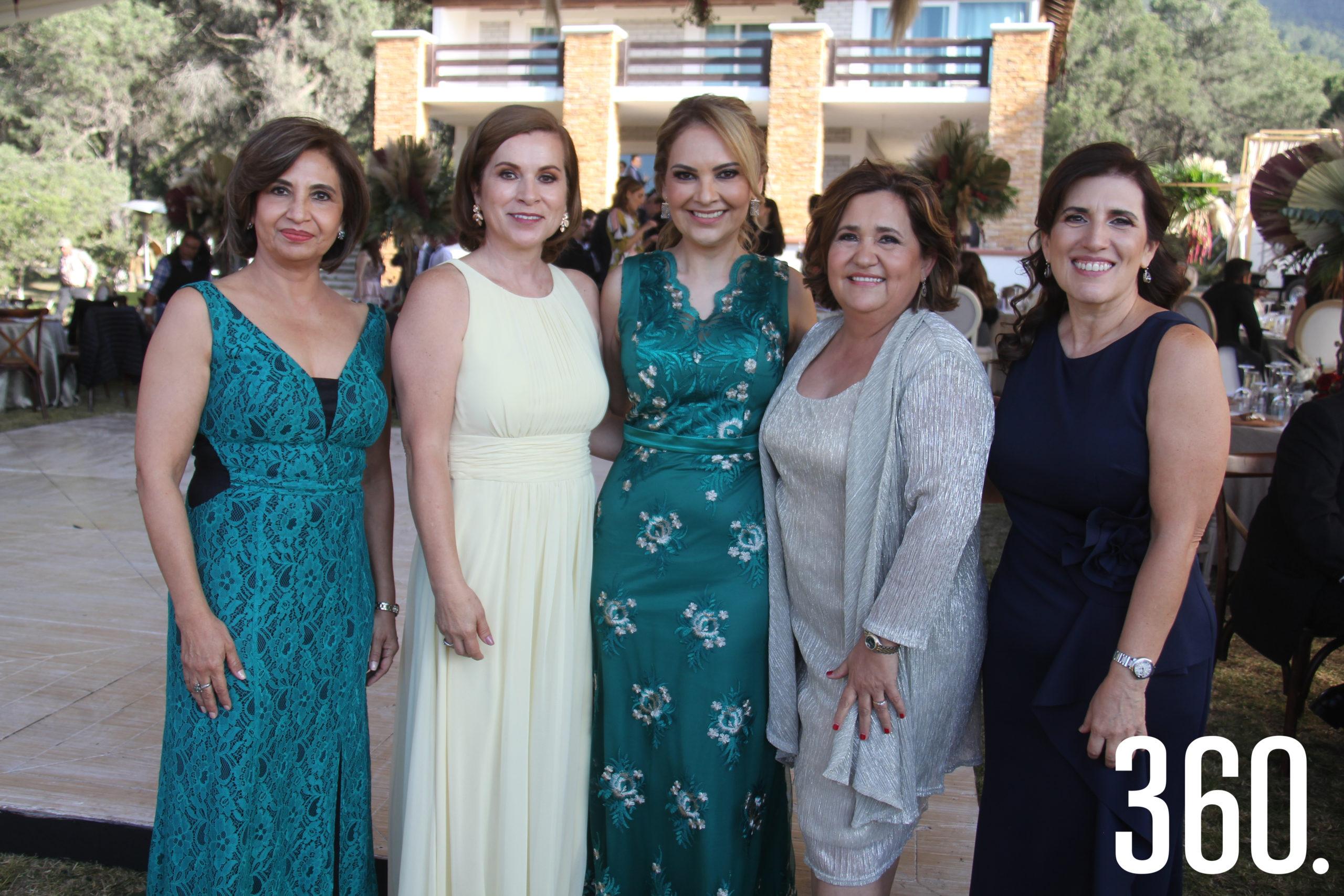 Martha Mireya de Treviño, Gabriela de Morales, Cristina Meraz, Alejandra Arredondo y Martha César.
