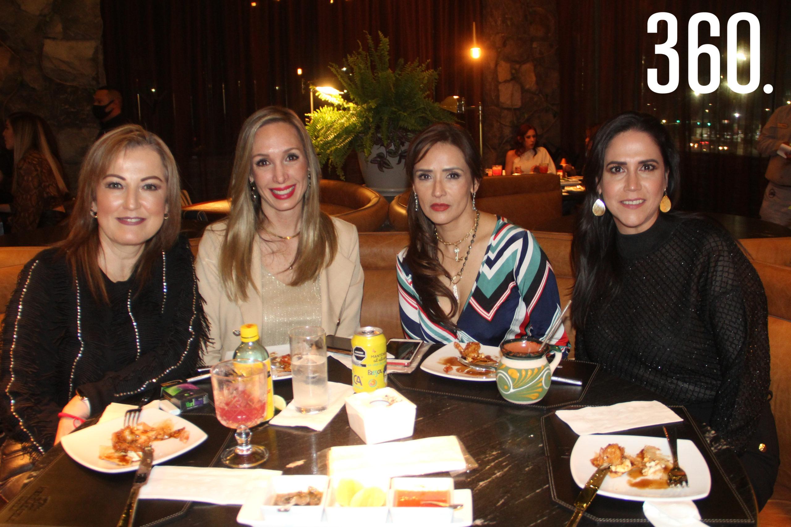 Dora María Galindo, Mónica Ribé, Loyda Gil y Ana Mireya García.