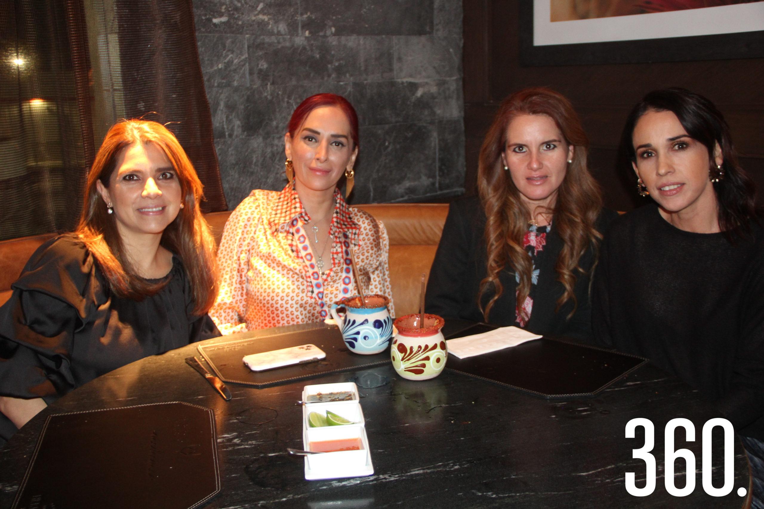 Cindy Hernández, Mónica Robles, Aidee Salinas y Alma García.