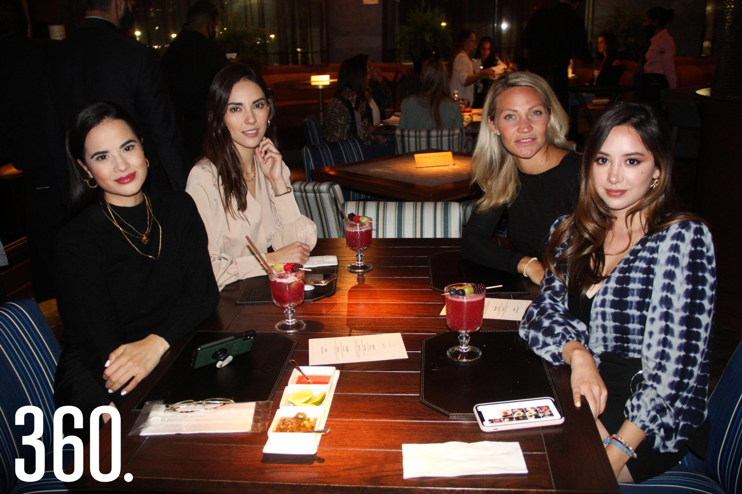 Lulú Rodríguez, María Alejandra Flores, Susi Vereecken y Andrea Ochoa.