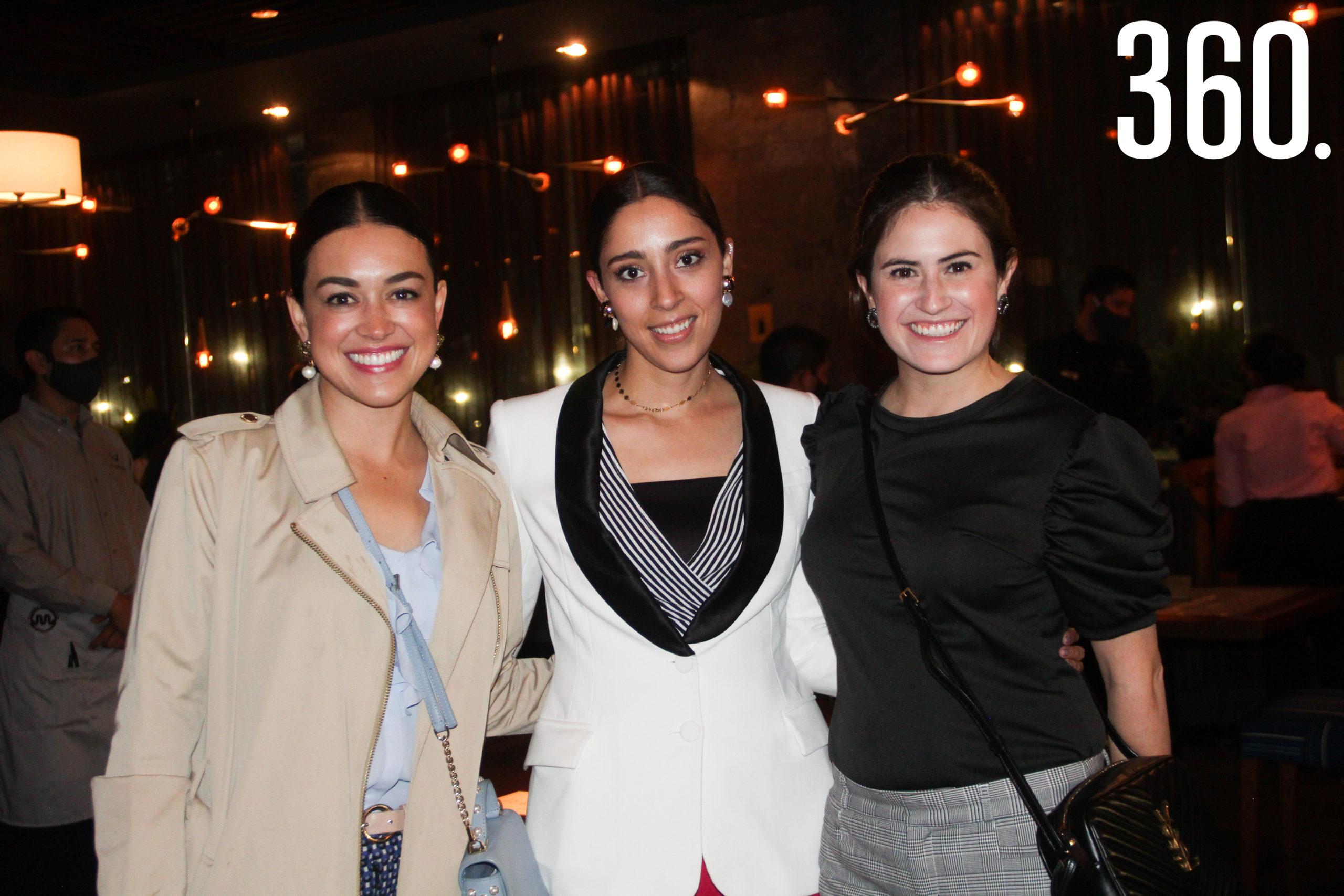 Tatiana Villarreal, Ana Cristina García y Paulina Fuentes, anfitrionas.