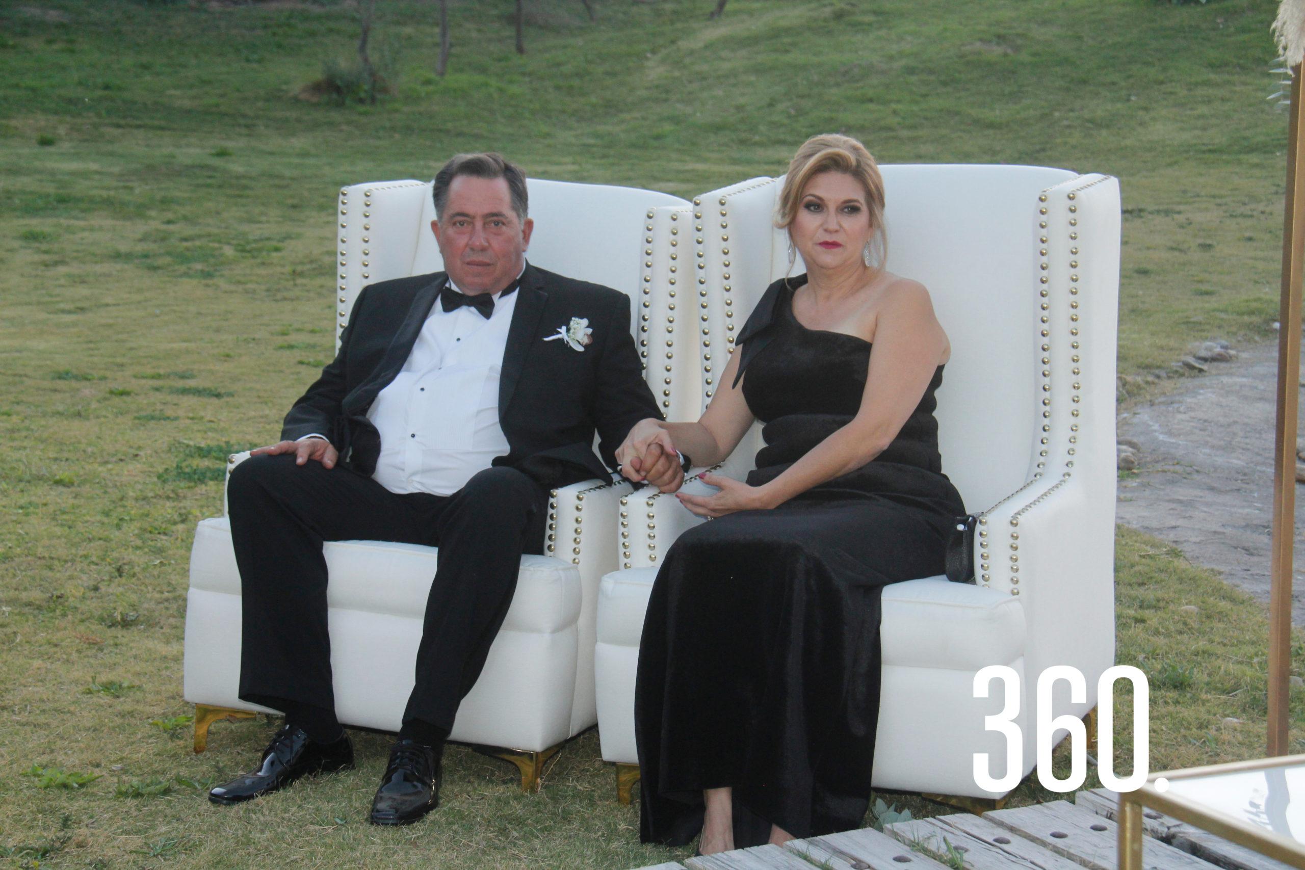 Jorge Peart y Lucy Zapata, padres de Eduardo