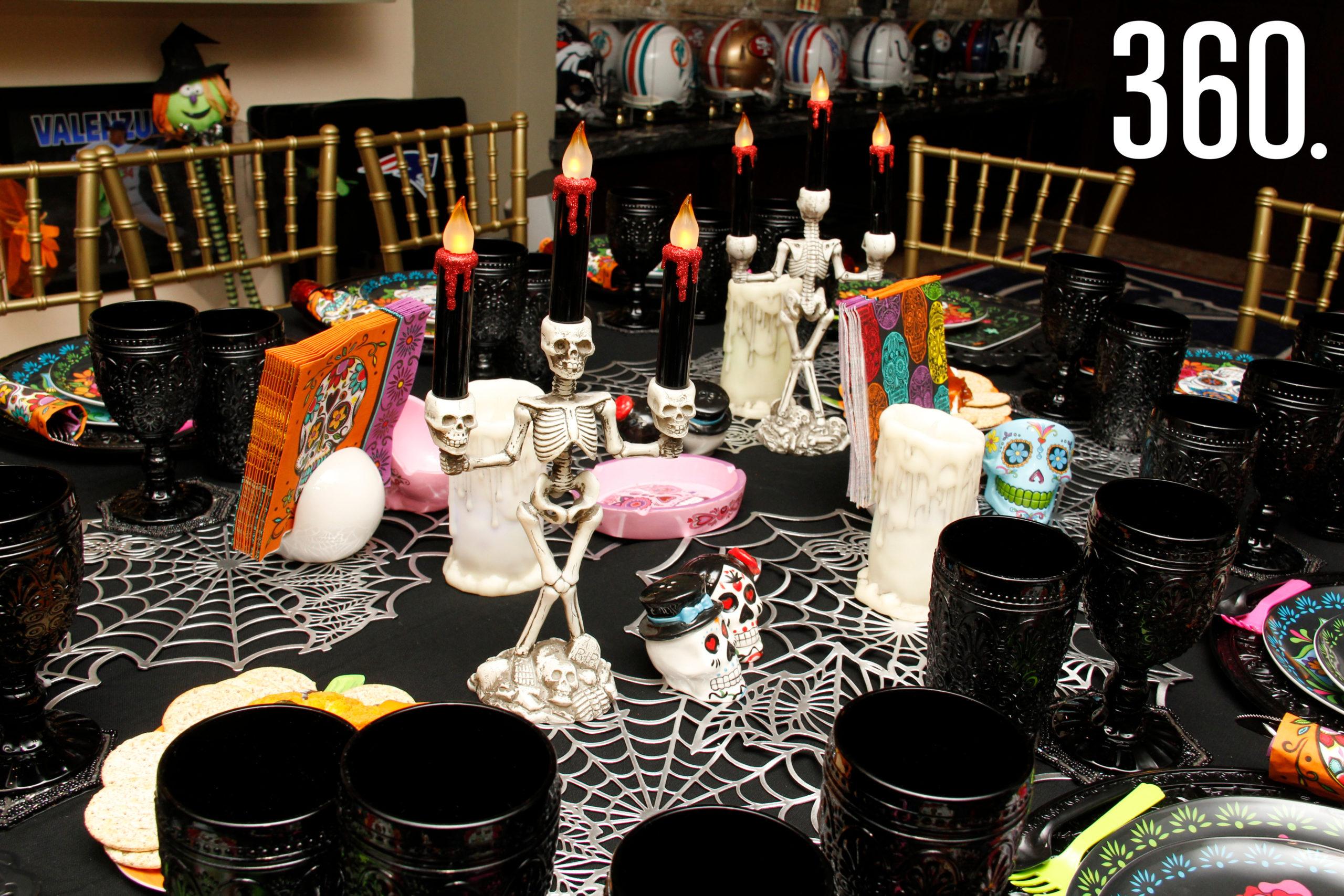 """Aspectos de la mesa y de las terroríficas entradas para la cena de la """"Noche de Brujas"""""""