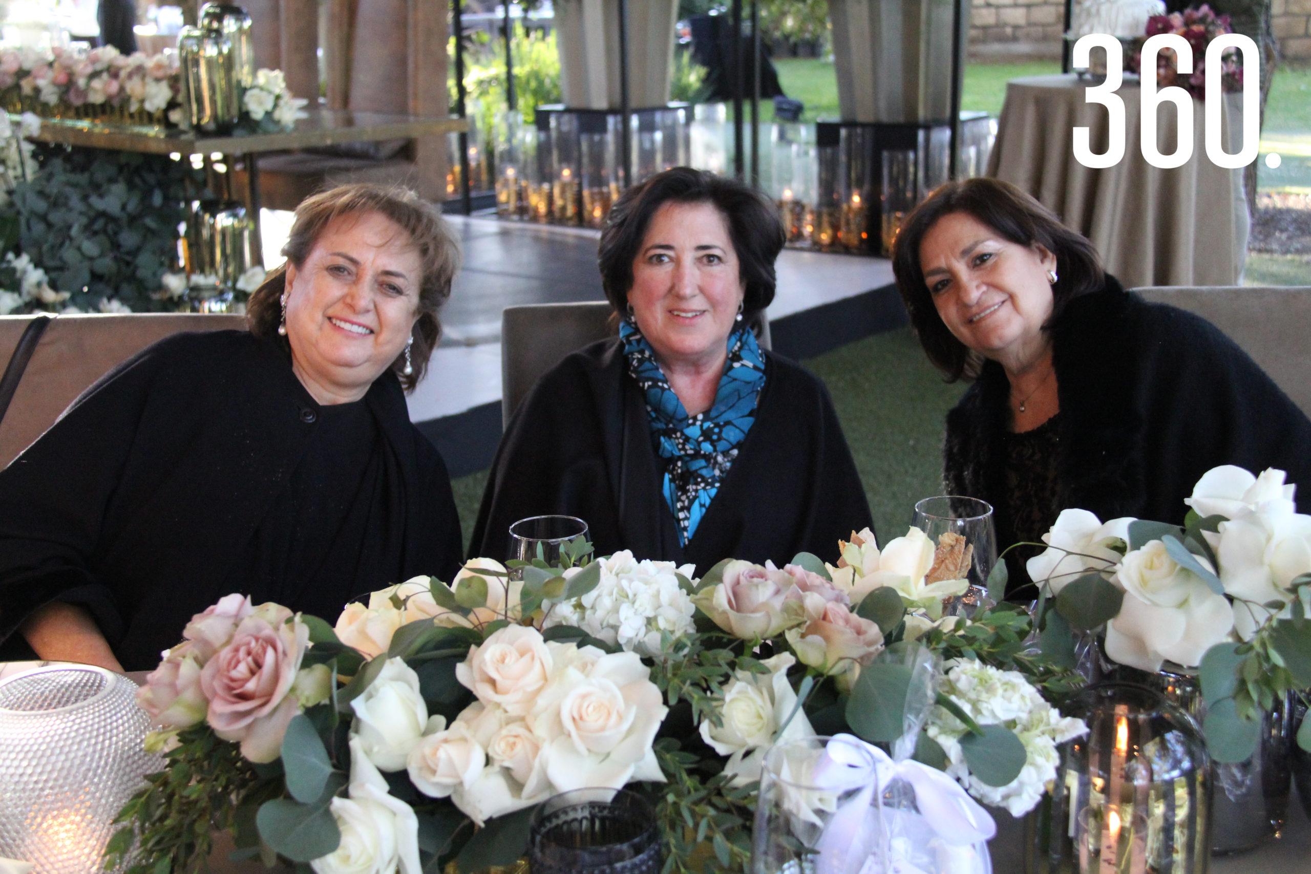 Pita Dewey Castilla, Lourdes Lobo y María Eugenia Fuentes.