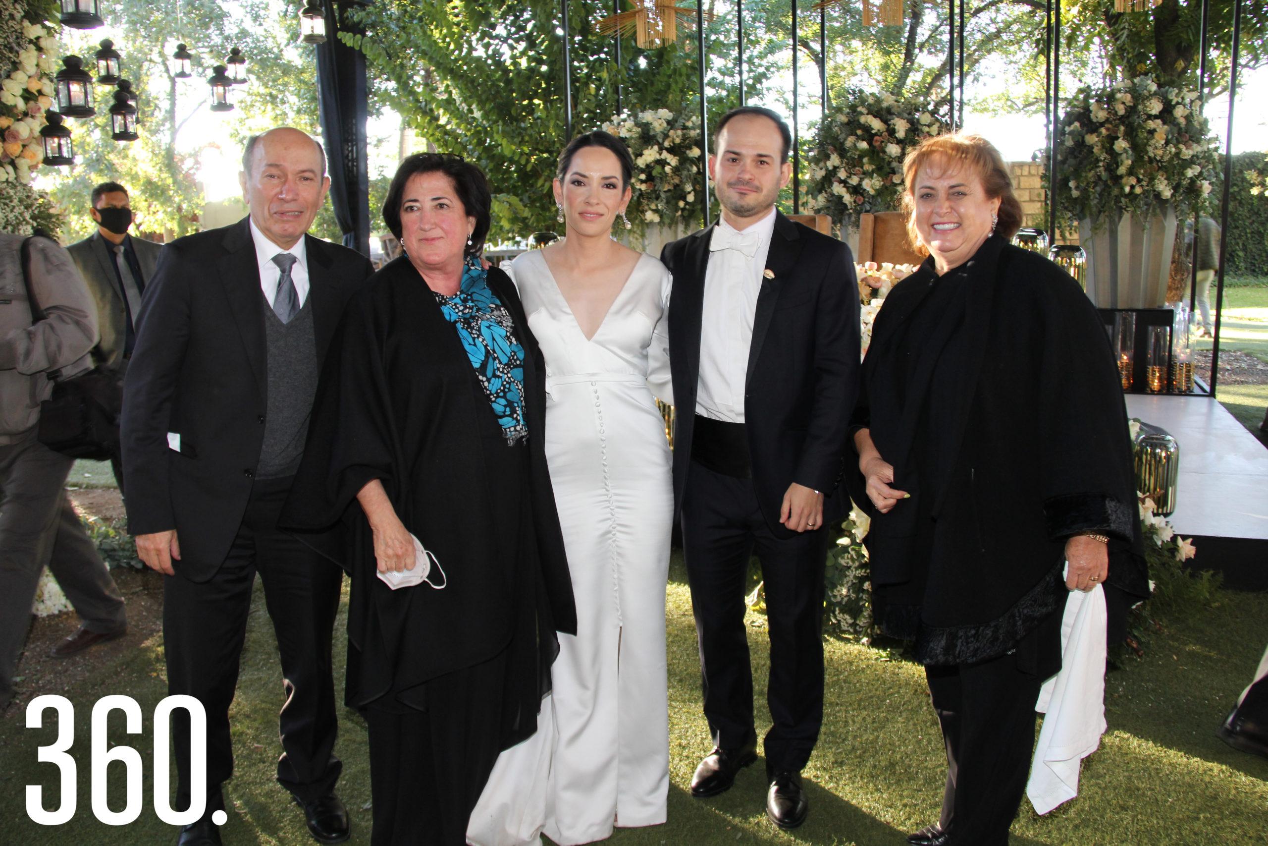 Emilio de las Fuentes, Lourdes Lobo, Miriam Rubio, Juan Bautista y Pita Dewey Castilla.