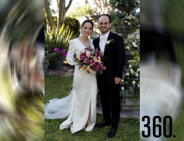 Miriam Rubio Flores y Juan Bautista de la Garza Garza, contrajeron matrimonio, en La Casa de Arriba.