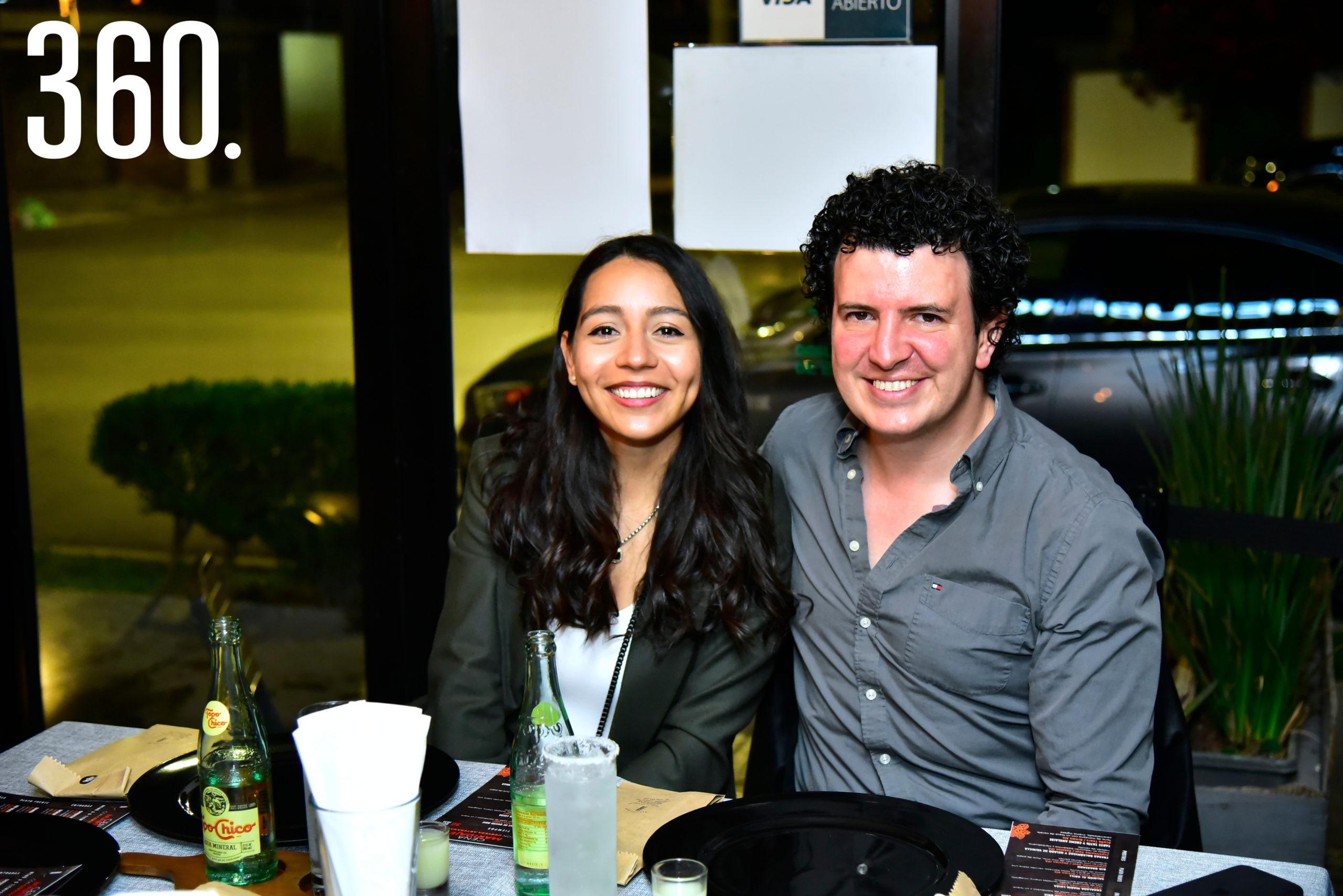 Ana Ortiz y Rafael Suarez.