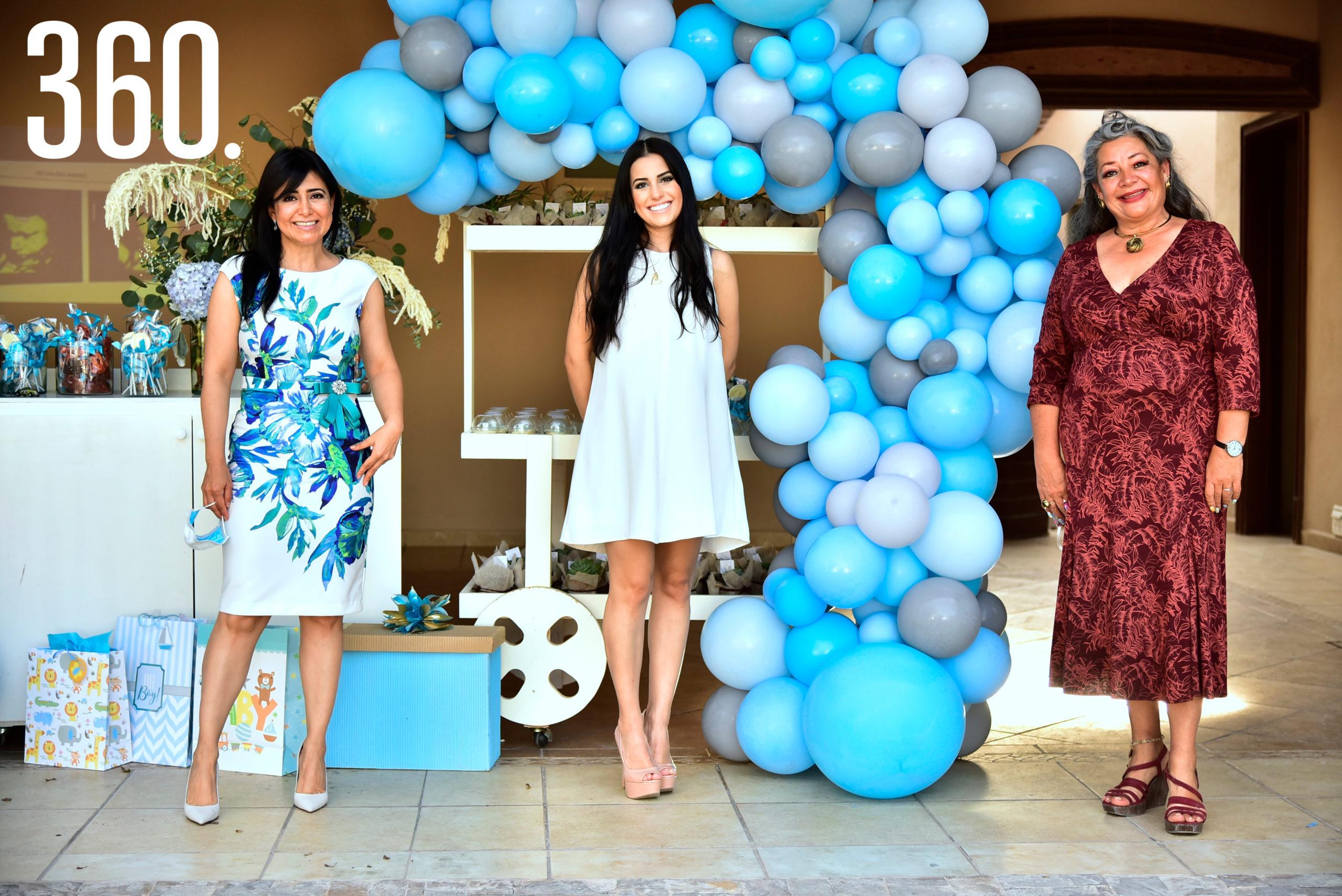 Duvelsa Valdés, Andrea Iga y Olivia Perales.