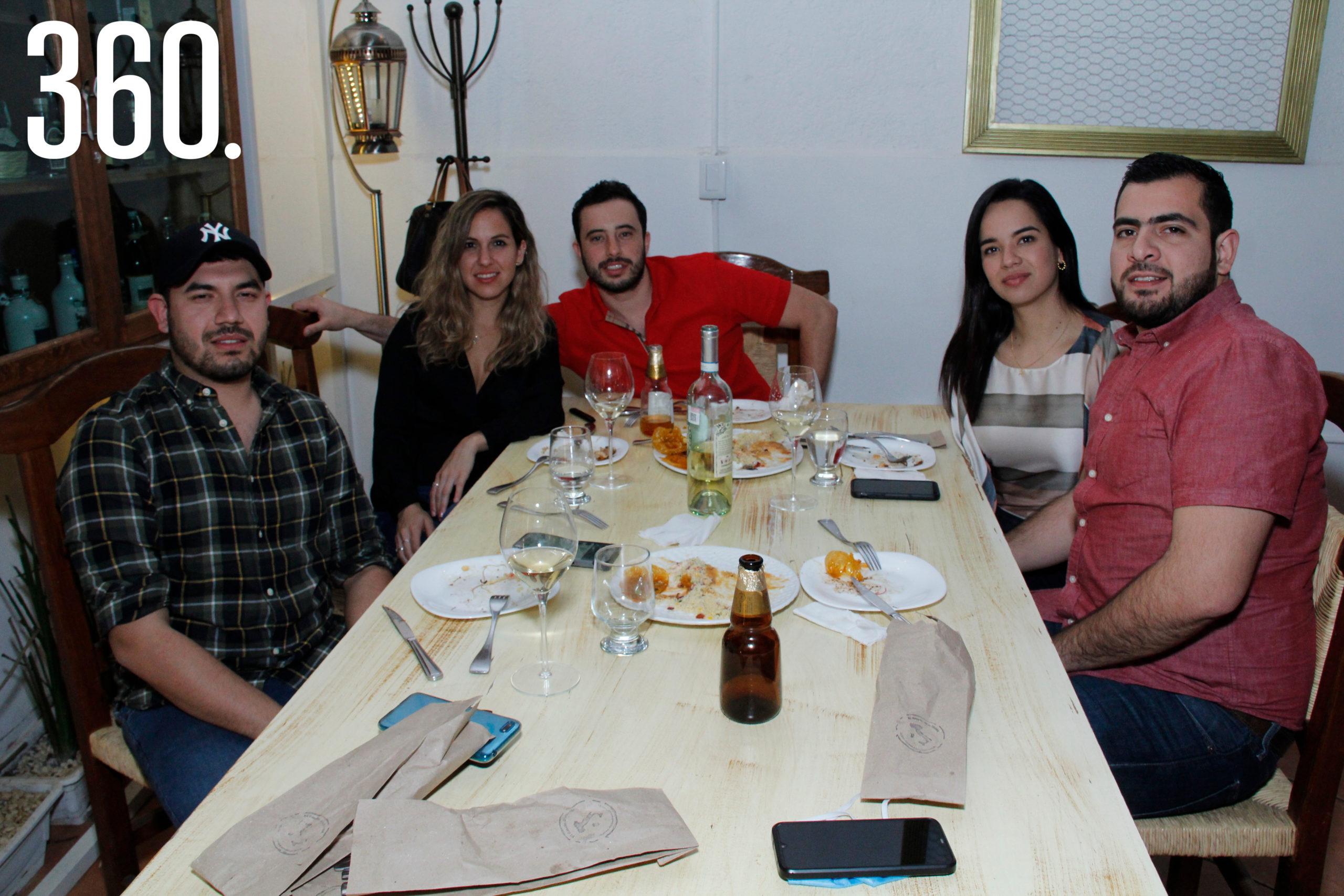 Omar Medrano, Patricia Vera, Marco Gómez, Alejandra Rodríguez y Francisco López.