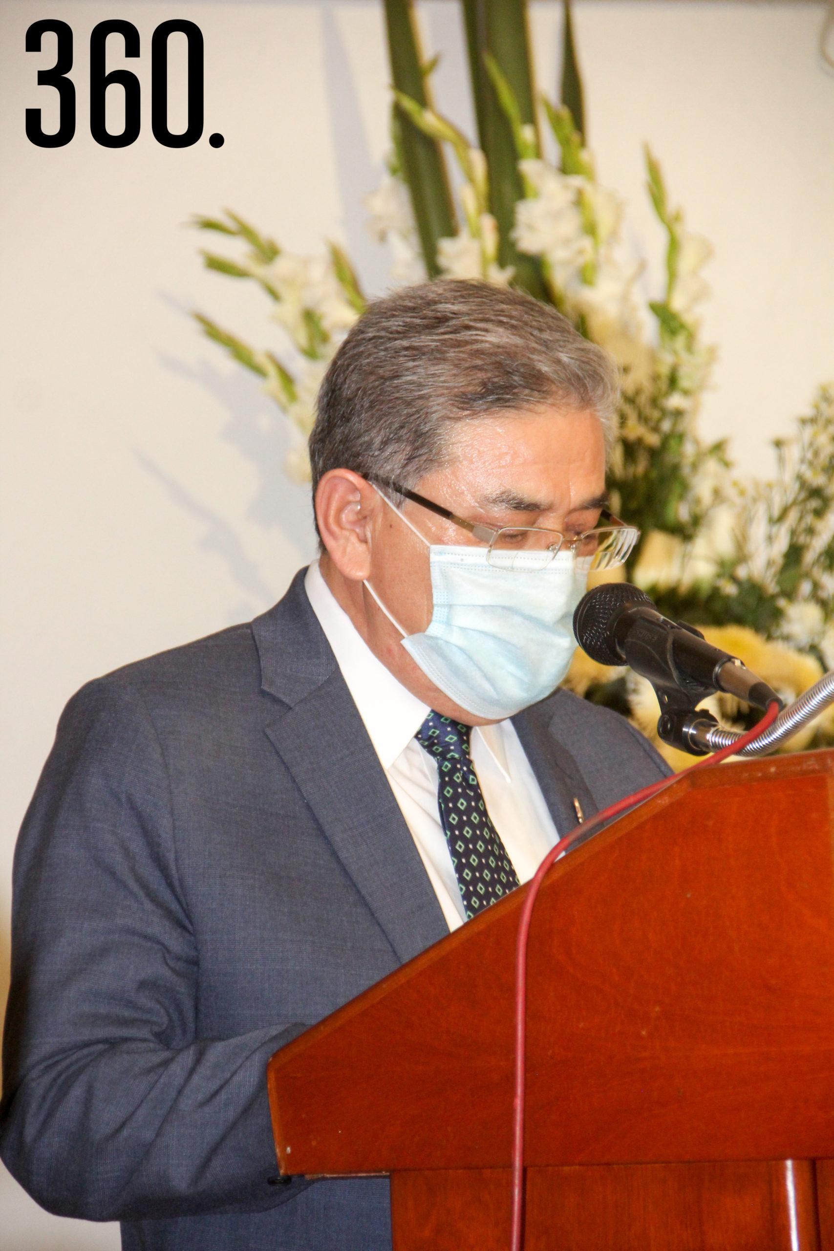 Rector Jesús Hernández.