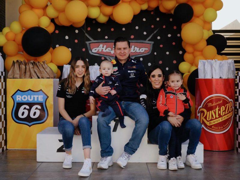 Sofía garza, Alejandro Garza, Luis Garza, Paty Treviño y Ángela Garza.