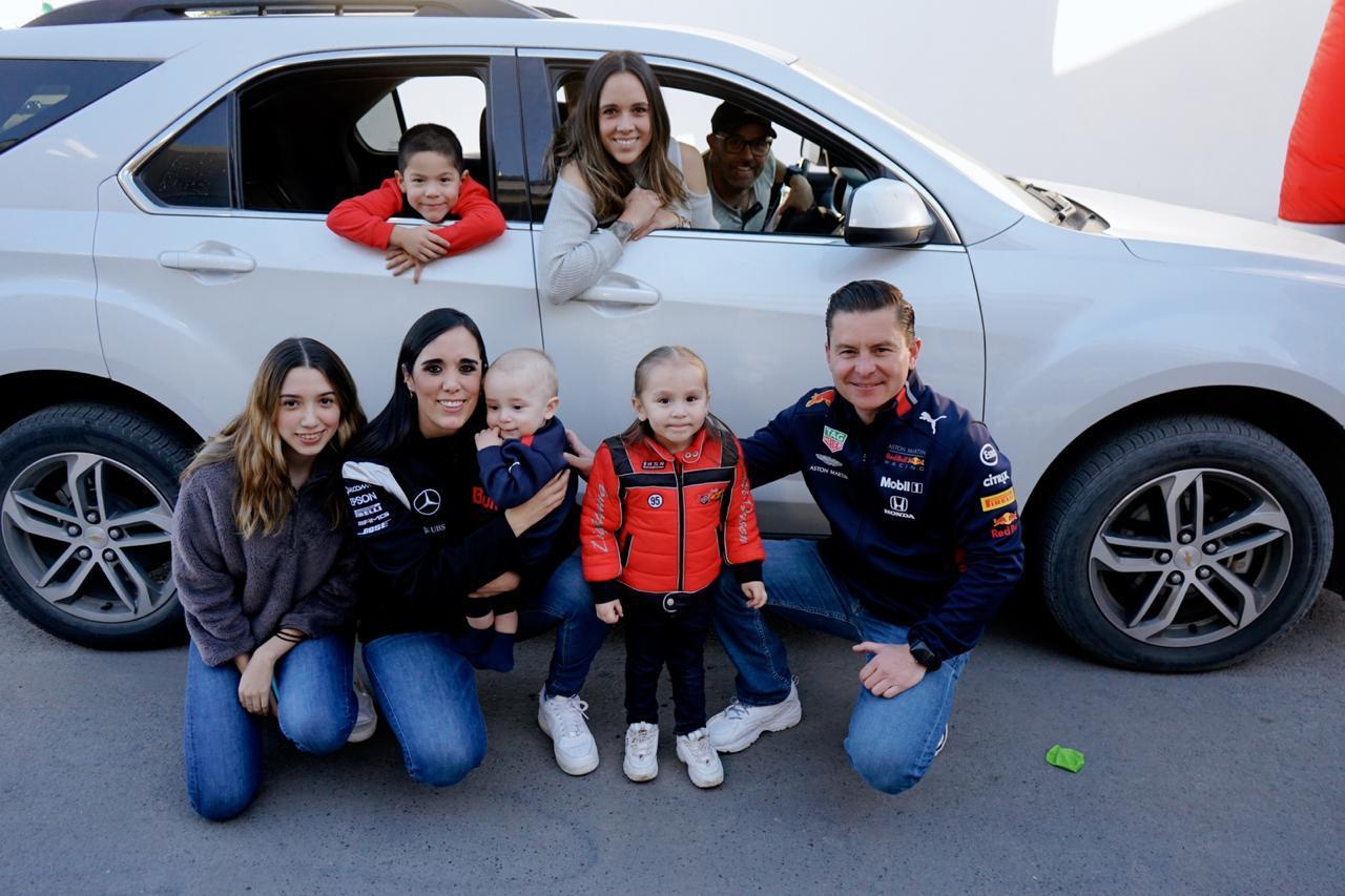 Con la familia Gómez Treviño.